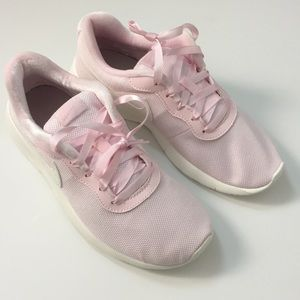 Nike Shoes Tanjun Se Gradeschool Girls Poshmark